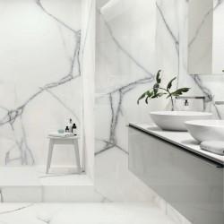 Ideas para decorar baños con azulejos que imitan marmol blanco mate - Newburry white natural